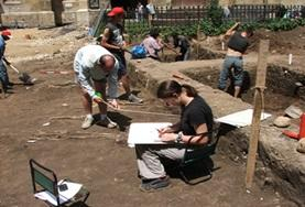 Volunteer Archeologia