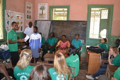 I volontari di ProjectsAbroad incontrano i bambini salvati dal traffico di minori in Ghana
