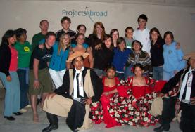 Gruppo di volontari internazionali in Bolivia