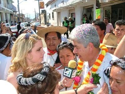 Una volontaria del progetto di giornalismo durante le riprese in Messico