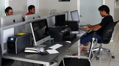 Samoa, la redazione del giornale a cui collaborano i volontari del progetto di giornalismo