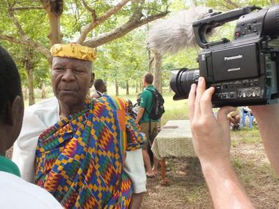 Intervista al capo del villaggio in Togo - stage di giornalismo