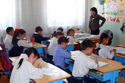 Gli alunni di una scuola aderente al progetto di volontariato in insegnamento in Mongolia