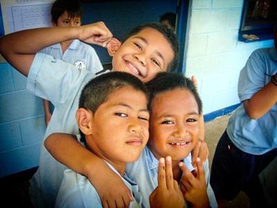 Gli alunni di una scuola aderente al progetto di volontariato in insegnamento alle Samoa