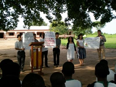 Volontari del progetto di legge e diritti umani in Argentina, durante una campagna di sensibilizzazione in Ghana
