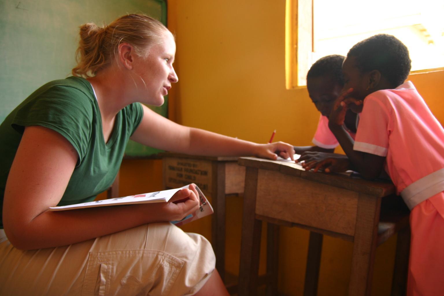una volontaria per lo stage di logopedia in Ghana