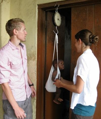 Due volontari del progetto di ginecologia in Ghana