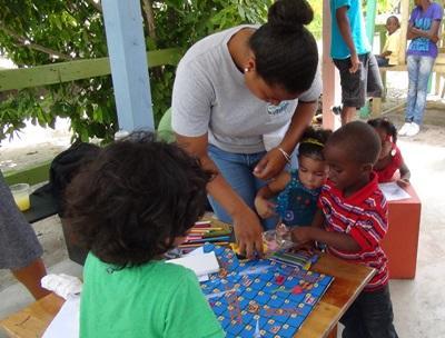volontariato con i bambini in Belize