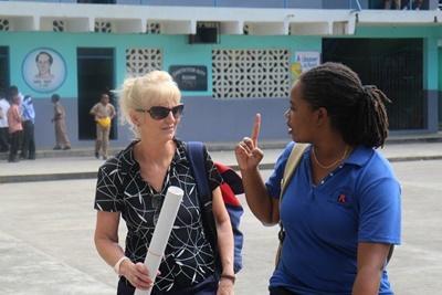 Projects Abroad Giamaica: volontaria e staff sul progetto di HIV/AIDS
