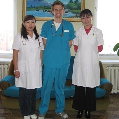 Un volontario e i suoi supervisori del progetto di psicologia in Mongolia