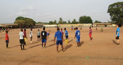 Bambini durante un allenamento di rugby a Cape Coast, Ghana