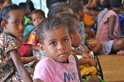 I bambini del progetto arte e cultura alle Fiji