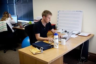 Un volontario del progetto di sviluppo internazionale
