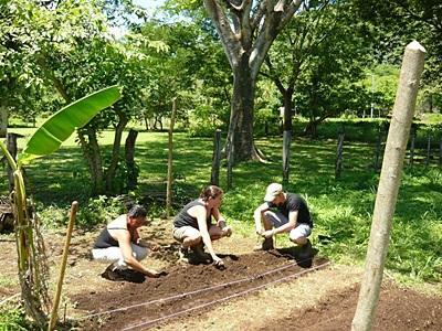 Volontari del progetto di tutela ambientale