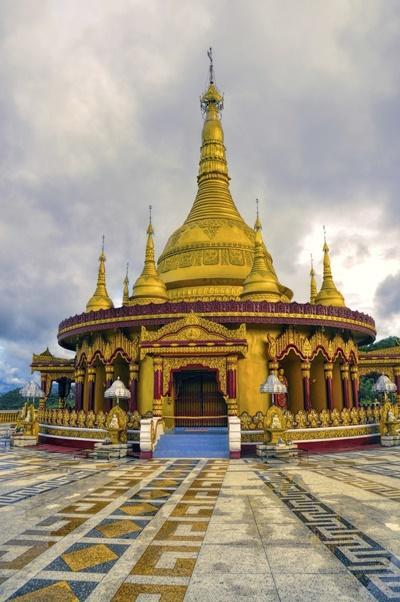 La vista di un tempio Hindu in Bangladesh