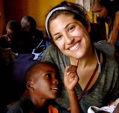Volontaria in un asilo in Tanzania