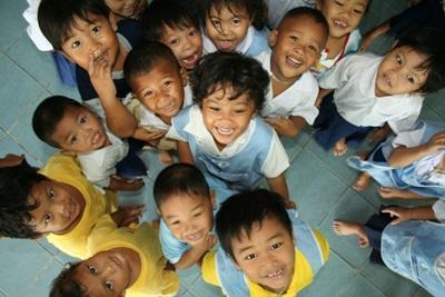 Un gruppo di bambini del progetto di volontariato in insegnamento in Thailandia