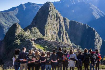 Un gruppo di ragazzi durante il viaggio di volontariato in Perù con ProjectsAbroad