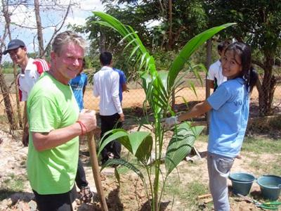 Volontariato d'impresa in Cambogia, uno dei volontari