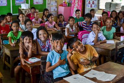Volontariato in Asia con i bambini